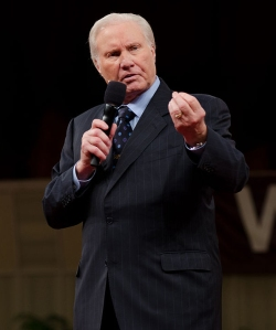 640px-Rev._Jimmy_Swaggart_01