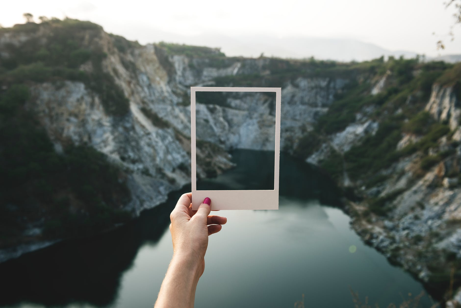 #WritingCommunity: Which POV & Tense Is Better? Third or First Person? Past or Present Tense?